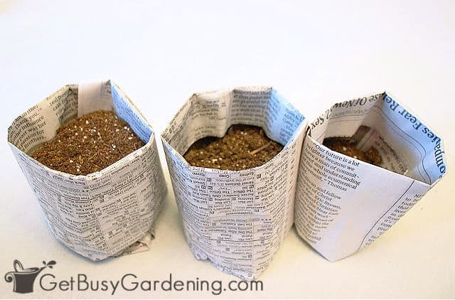 Round newspaper seed starter pots